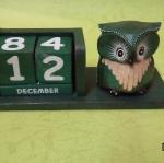 ปฏิทินนกฮูกไม้ DecorLike สีเขียว