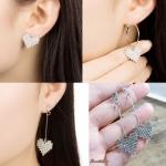 เลือกแบบด้านในค่ะ ต่างหู Love Diamond ER2256