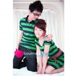 ชุดคู่รัก เสื้อคู่รักเกาหลี เสื้อผ้าแฟชั่น ชุดคู่ลายเขียวดำ ชายเสื้อคอปกลายเขียวดำ หญิงเดรสแขนตุ๊กตาลายเขียวดำ