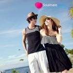 ชุดคู่รัก เดรสคู่รักเกาหลี ผู้หญิง –เดรสสายเดี่ยว สม๊อกอก ลายขาวดำ + ผู้ชาย-เสื้อกล้ามสีดำ ลายขาวที่อก มีกระเป๋าเล็กๆน่ารัก