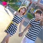 เสื้อคู่ เสื้อคู่รัก ชุดคู่รัก เสื้อคู่รักเกาหลี เสื้อคู่แฟชั่น ลายขวางขาว-ดำ ผู้ชายเสื้อยืดคอวี + ผู้หญิงเดรสแขนกุด