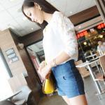 เสื้อแฟชั่นเกาหลี เสื้อชีฟองยืดแขนลูกไม้ แขนเป็นลูกไม้ขนาดใหญ่ มองเห็นเด่นชัด แฟชั่นเกาหลี