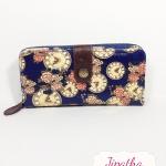 กระเป๋าสตางค์ Chalita wu สีกรม ลายนาฬิกา