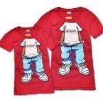 เสื้อคู่ เสื้อคู่รัก ชุดคู่รัก เสื้อยืดคู่รัก ผู้ชาย +ผู้หญิง เสื้อยืดคอกลมสีแดง ผลิตจากผ้า cotton 100% สกรีนลายการ์ตูนแสนเท่ห์