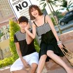 เสื้อคู่ เสื้อคู่รัก ชุดคู่รัก เดรสคู่รักเกาหลี ผู้หญิง –เดรสสายเดี่ยว สม๊อกอก ลายขาวดำ + ผู้ชาย-เสื้อยืดสีดำ ลายขาวที่อก ผ้านิ่มสวมใส่สบาย ขนาด มี 2 ไซต์