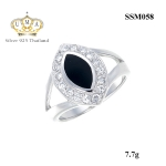 แหวนผู้ชาย ประดับเพชรCZ แหวนทรงลูกตา ล้อมรอบบเพชรกลมขาว บ่าฉลุโปร่ง ดีไซน์เรียบหรูคลาสสิค เหมาะที่จะสวมใส่ติดนิ้วทุกโอกาส