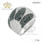 แหวนเพชร ประดับเพชร CZ แหวนสุดหรู หน้าใหญ่ ฝังเพชรกลมขาวเต็มหน้า เล่นดีไซน์ลวดลายใบไม้ ฝังเพชรกลมดำ โดดเด่น ส่องประกายสวยแบบ 360 องศา