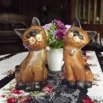 ตุ๊กตาไม้แกะสลักแมวไทยคู่ นั่งชูคอ