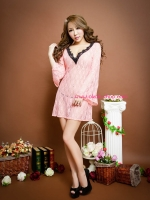 ชุดนอนเซ็กซี่ผ้าลูกไม้สีชมพูออกแบบได้อย่างลงตัวเพิ่มความเซ็กซี่ไร้ขีดจำกัด