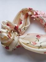 ผ้าพันคอผ้าซาติน Flower pink