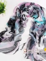 ผ้าพันคอผ้าPolyester+ผ้าไหม ลายเนเวอร์แลนด์สีดำฟ้า ( รหัส P101 )