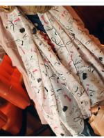 ผ้าพันคอชีฟอง ลายเครื่องแต่งตัวสีชมพูอ่อน