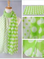 ผ้าพันคอผ้าฝ้าย ลายจุดหลากไซส์สีขาวเขียว ( รหัส P193 )