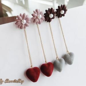 เลือกสีด้านในค่ะ ต่างหู Love Daisy Korea ER5565