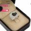 แหวนเงิน ประดับเพชร CZ แหวนหน้าใหญ่ฝังเพชรกลมขาวเต็มหน้า เพิ่มดีไซน์ลายหัวใจกลางแหวน ฝังเพชรกลมดำ ตัวเรือนแหวนมีความประณีตสวยงามในทุกมิติมุมมอง thumbnail 2