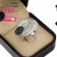 แหวนเพชร ประดับ เพชรCZ แหวนทรงดอกไม้ เกสรฝังเพชรกลมดำ กลีบดอกฝังเพชรกลมขาว ประดับแวว วาว ดีไซน์หรูหรา สวยขาดเริศๆ มีเอกลักษณ์มากงานออกแบบ โดดเด่นไม่เหมือนใคร thumbnail 2