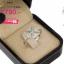 แหวนเงิน ประดับเพชร CZ แหวนรูปดอกไม้ทรงกลม 4 กลีบ ดีไซน์เก๋ ดูสวยหรูแต่ไม่เรียบจนเกินไป ใส่ได้เรื่อยๆ ออกงานก็ได้ thumbnail 2